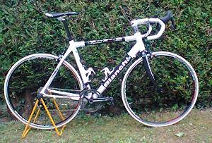 cadre carbone Bianchi monté en Campagnolo super record 11 viteses